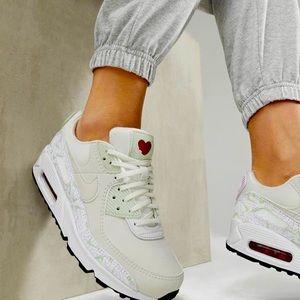 NIKE Air Max 90 VDAY Sneaker